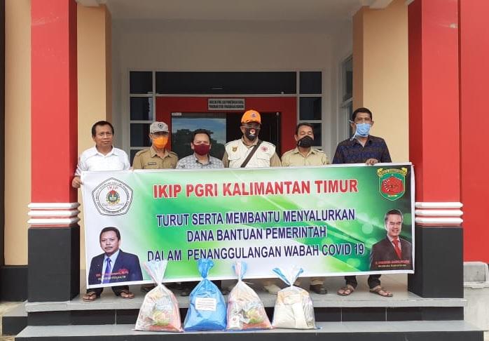 IKIP PGRI Kalimantan Timur Salurkan Bantuan Covid 19